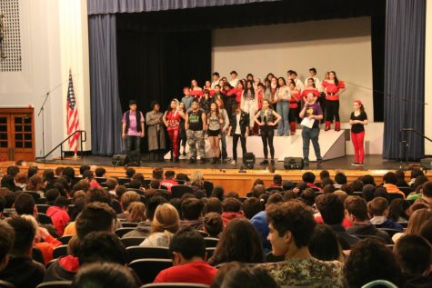 Elementary Classes Visit Taft for We Will Rock You Musical