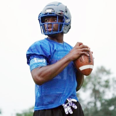 As a triathlete, Stigall plays football, basketball and track. He was scouted for football and will attend Minnesota State University Mankato. Image by https://twitter.com
